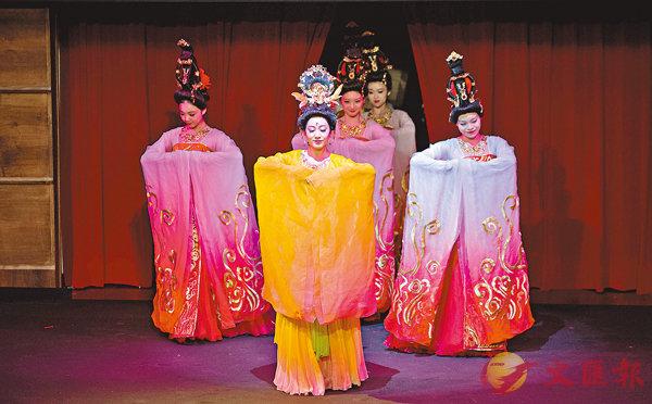 ■現場觀眾深深地感受中國傳統文化藝術的魅力。