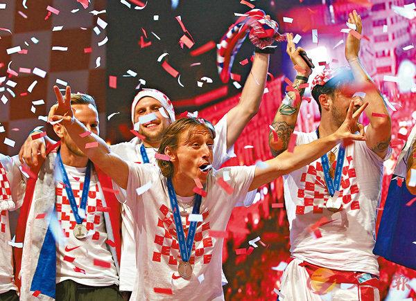 ■克羅地亞足球隊回國受到英雄式歡迎。 路透社