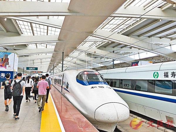 ■大湾区铁路网逐渐完善,珠三角九市将实现1小时内互相通达。 香港文汇报记者方俊明摄