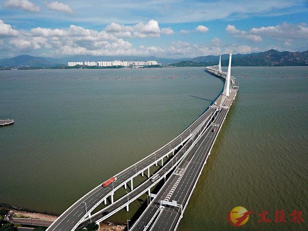■圖為連接深港的深圳灣大橋。 資料圖片