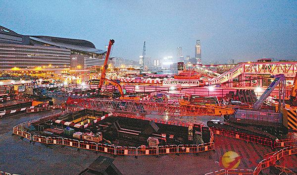 ■港鐵昨日傍晚宣佈,暫停會展站所有相關挖掘工程。香港文匯報記者曾慶威  攝