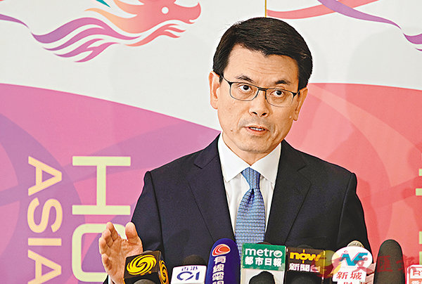 ■邱騰華認為貿易戰並非短期事件,或會拖累香港下半年出口表現。資料圖片