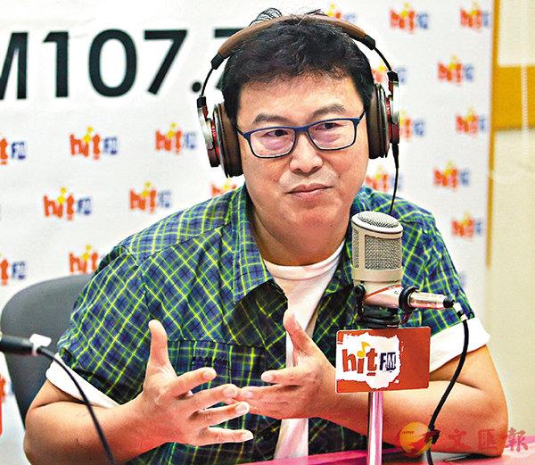 ■姚文智接受廣播節目《蔻蔻早餐》專訪。 中央社