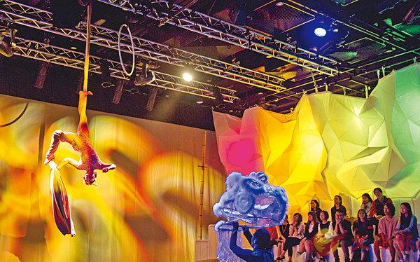 ■本地編舞家楊春江的作品《舞·師(暫名)》獲選於德國杜塞爾多夫國際舞蹈博覽會的「示範展演」(Open Studio)中演出。 圖片由太古坊 ArtisTree 提供