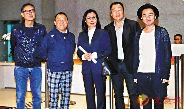 ■會後五位代表見傳媒,簡介是次會面情況。 香港文匯報記者彭子文  攝