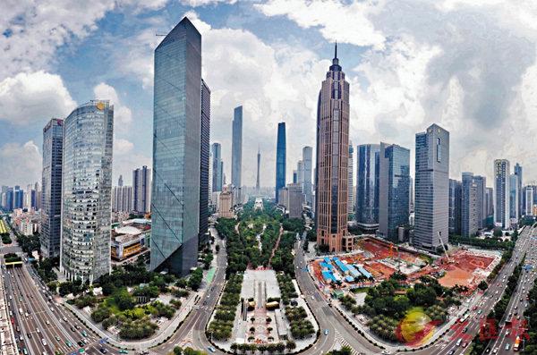 ■图为广州珠江新城金融产业聚集区。 敖敏辉摄