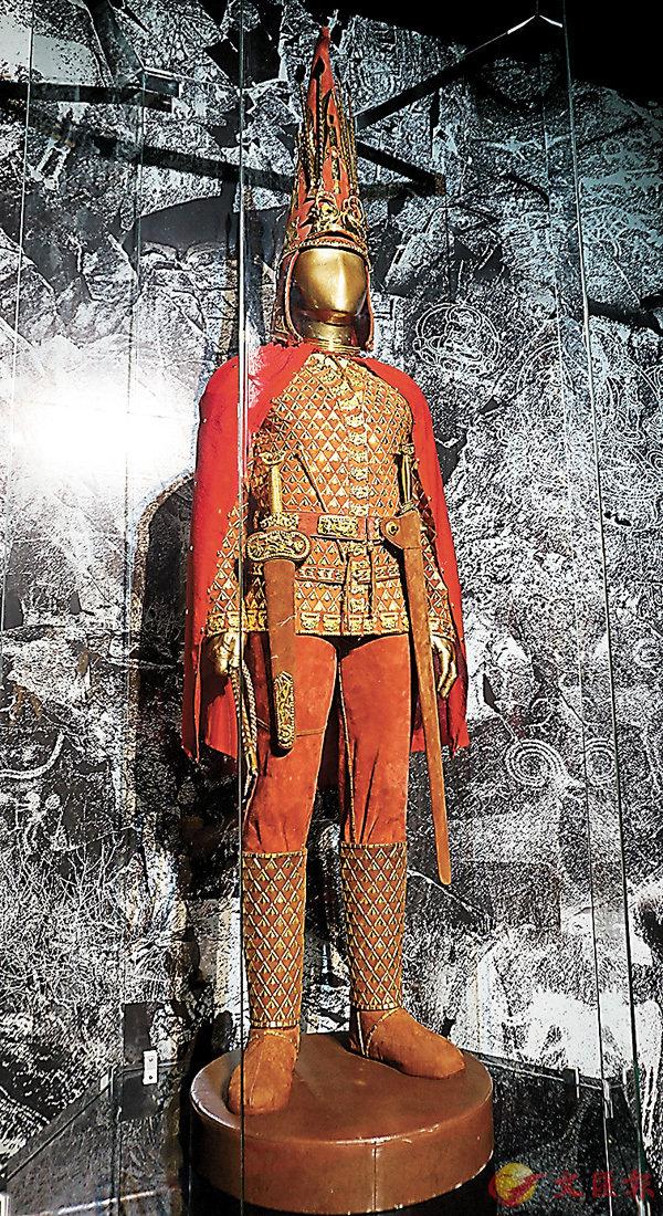 ■被譽為哈薩克斯坦「國家寶藏」的「金人」。