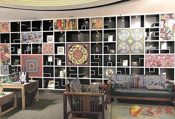 ■位於西安大唐西市的范燕燕絲綢藝術中心,陳列充滿藝術氣息。張仕珍 攝