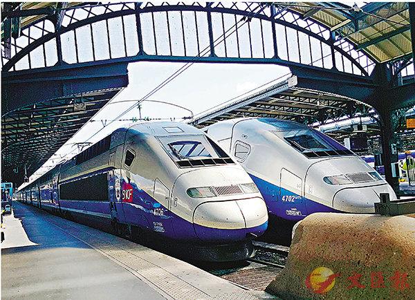 ■法國宣佈研發無人駕駛列車,預計2023年試運。圖為巴黎東站月台的法鐵班車。 中央社