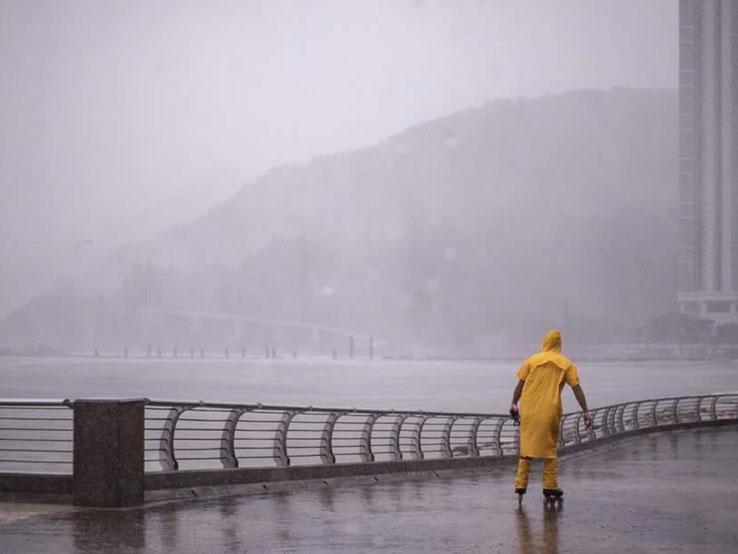 「山竹」襲港|颱風呼嘯 狂風大雨捲香江