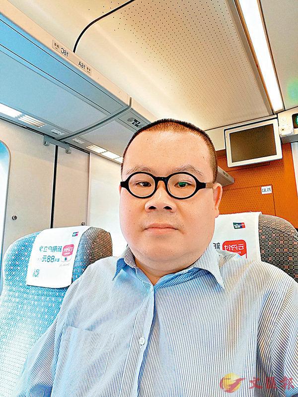 ■黃鵬表示,廣深港高鐵開通後讓港籍福建人回家十分便捷。香港文匯報記者李昌鴻  攝