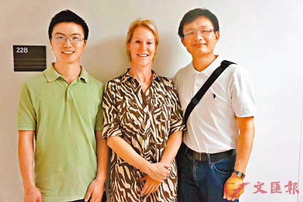 ■左起孫飛、阿諾德,以及北京大學化學學院教授張文彬,3人曾在加州理工合作研究。 受訪者提供