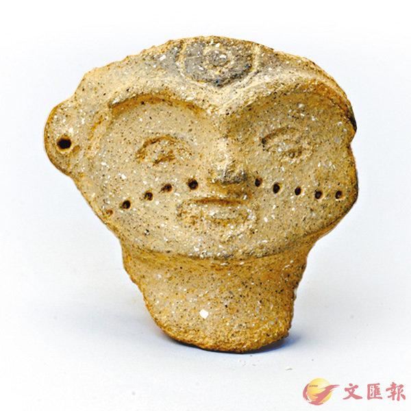 ■陶塑紋面人頭像正通過網絡向全球徵名。 網上圖片