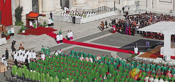 ■梵蒂岡世界主教會議揭幕。美聯社
