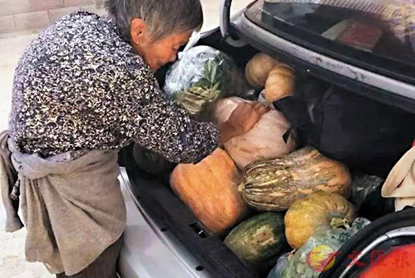 ■有一種愛叫做「媽媽給裝的車尾箱」,滿滿當當。 網上圖片