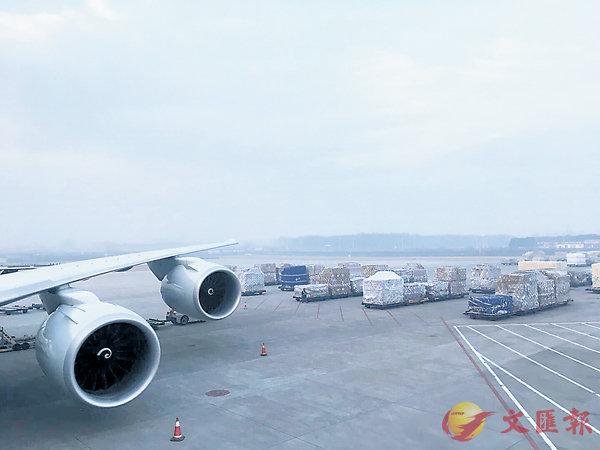 ■鄭州已成為國際航空郵件經轉口岸。 香港文匯報河南傳真
