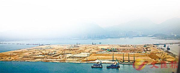 ■港珠澳大橋香港口岸當年也是填海而來。 資料圖片