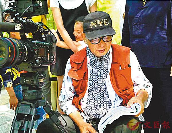 ■余積廉在片場指揮電影拍攝。 受訪者供圖