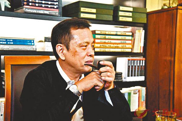 ■李敬澤稱自己是「新銳作家」。