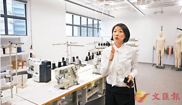 ■陳慧欣介紹位於「南豐作坊」的實驗室。香港文匯報記者劉國權  攝
