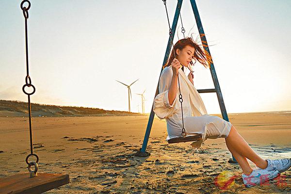 ■沙漠通頂拍MV,容祖兒搞到一口沙。
