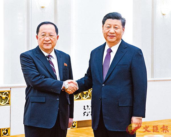 ■昨日,中國國家主席習近平在北京人民大會堂會見朝鮮勞動黨中央政治局委員、外相李勇浩。     新華社