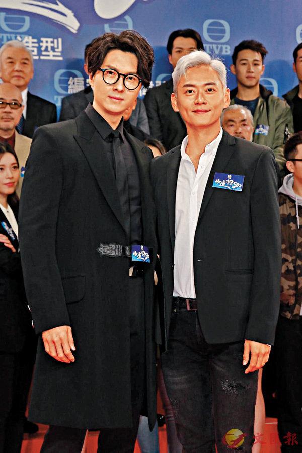■王浩信(左)指拍《踩過界》時已給張振朗咀過。