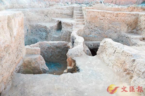 ■銀溝遺址發現的陶窯。香港文匯報陝西傳真