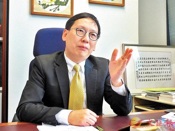 ■ 柯創盛批「先入伙,再入設施」的思維模式差勁。 香港文匯報記者岑志剛  攝