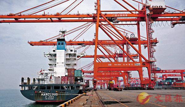 ■隨�茈�球經濟一體化,貨物出口漸成各國的主要分歧之一。 資料圖片