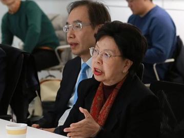 聚焦兩會 |港區政協委員與在京港生座談 暢聊灣區機遇多