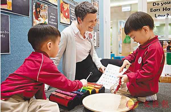 ■教師會持續觀察學生學習進度。英基供圖