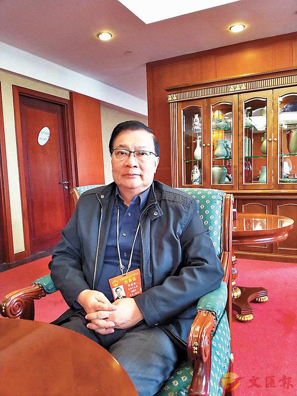 ■譚耀宗強調,顧問一定要落手落腳,不可以是「掛名」的「名譽顧問」。 香港文匯報記者朱朗文  攝