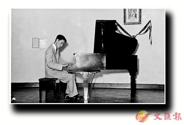 ■沈鑒治1950年代在香港恢復習琴後公開演奏。圖片出自周光蓁編著《香港音樂的前世今生─香港早期音樂發展歷程(1930s-1950s)》,三聯書店提供