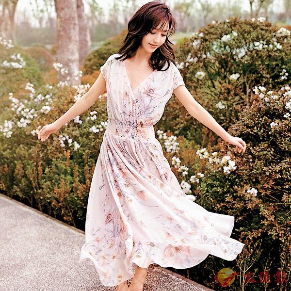 ■佟麗婭演繹H&M Conscious春季系列,展現浪漫飄逸風格。