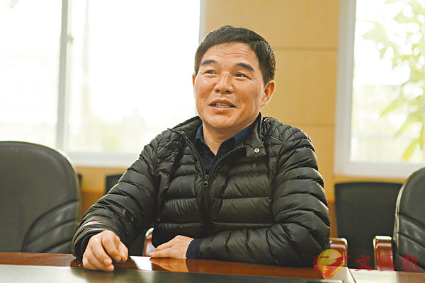 ■范德標是安徽省合肥市第三十五中學校長,自2001年承辦西藏班以來,18年來吃住都在學校。香港文匯報記者趙臣  攝