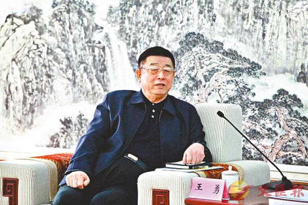 ■王勇表示,集團通過「用股權換技術」方式與中科院合作,有效推動新產品研發。 香港文匯報山東傳真