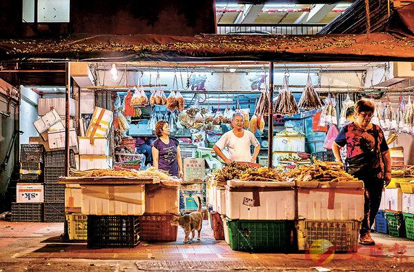 ■三聖�h的海產店    圖片出自《�h越時光-一種屋�h情懷》  三聯書店(香港)提供