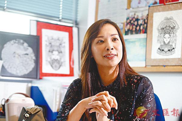 ■陳家愉認為香港的粵劇比較淡雅,保留了最源頭的特色。
