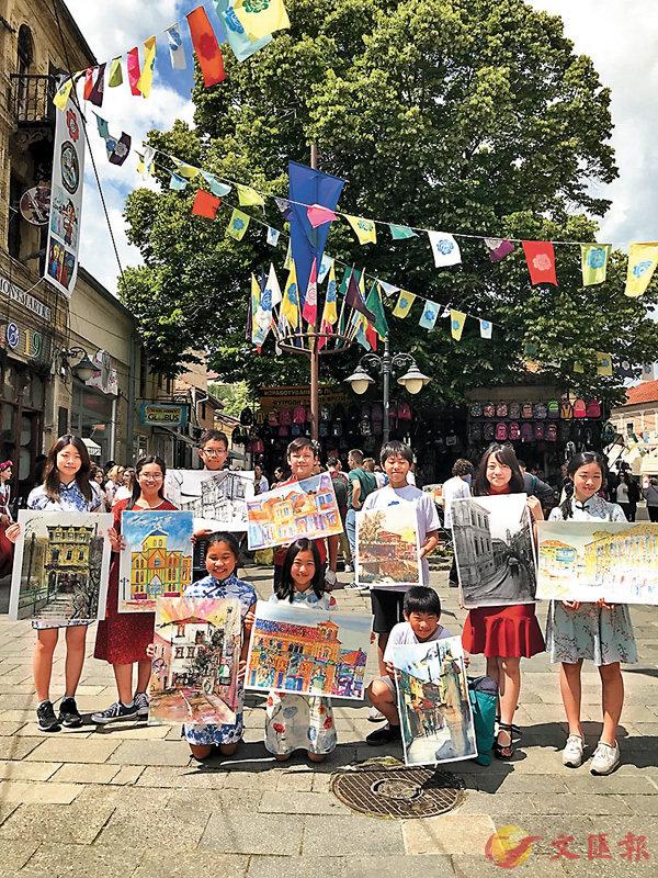 ■10名港生於「第三十八屆國際青少年蒙馬特現場寫生比賽」中勇奪13個獎項。博藝堂供圖