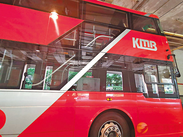 ■九巴新型號巴士的「透視樓梯」成為走光黑點。 資料圖片