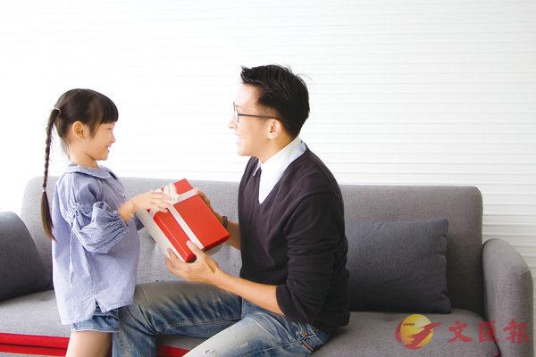■智能禮物成為近年父親節送禮的大熱之選。