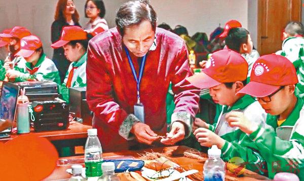 ■李祝意的課堂很受小學生歡迎。