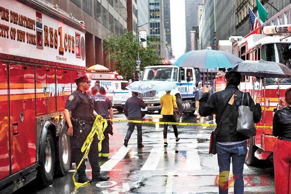 ■警方封鎖事發現場一帶街道。  美聯社
