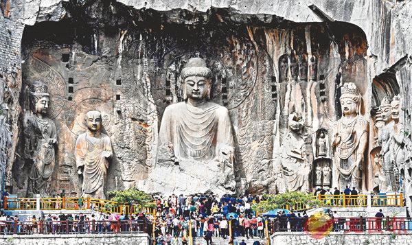 ■龍門石窟有10萬尊佛道造像。資料圖片