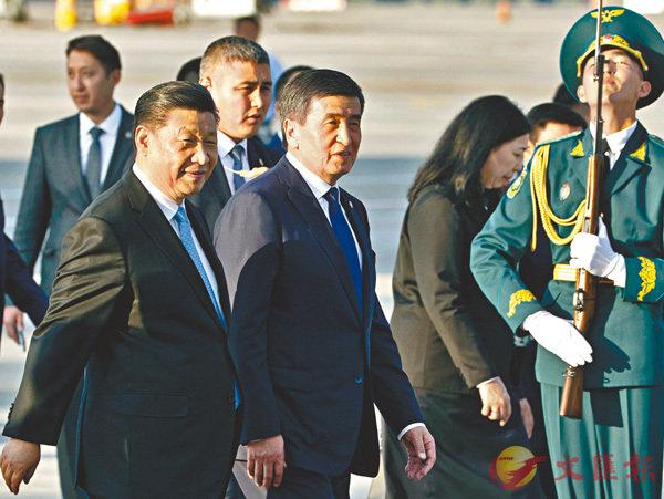 ■當地時間6月12日,中國國家主席習近平乘專機抵達比什凱克,開始對吉爾吉斯斯坦進行國事訪問並出席上海合作組織成員國元首理事會第十九次會議。 中新社