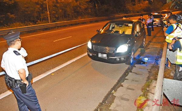 ■警方經追截在元朗公路近元朗東成里路發現可疑私家車。