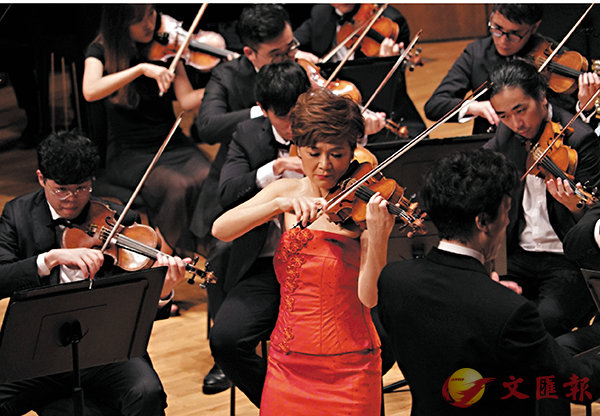 ■著名小提琴家姚�Z演繹《梁祝》小提琴協奏曲。