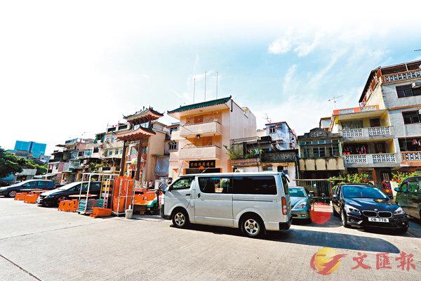 ■ 遊行前夕的南邊圍村乍看一派祥和寧靜,其實已瀰漫一片緊張氣氛。 香港文匯報記者  攝