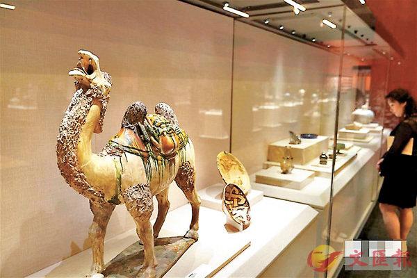 ■「大美亞細亞-亞洲文明展」中的彩陶駱駝